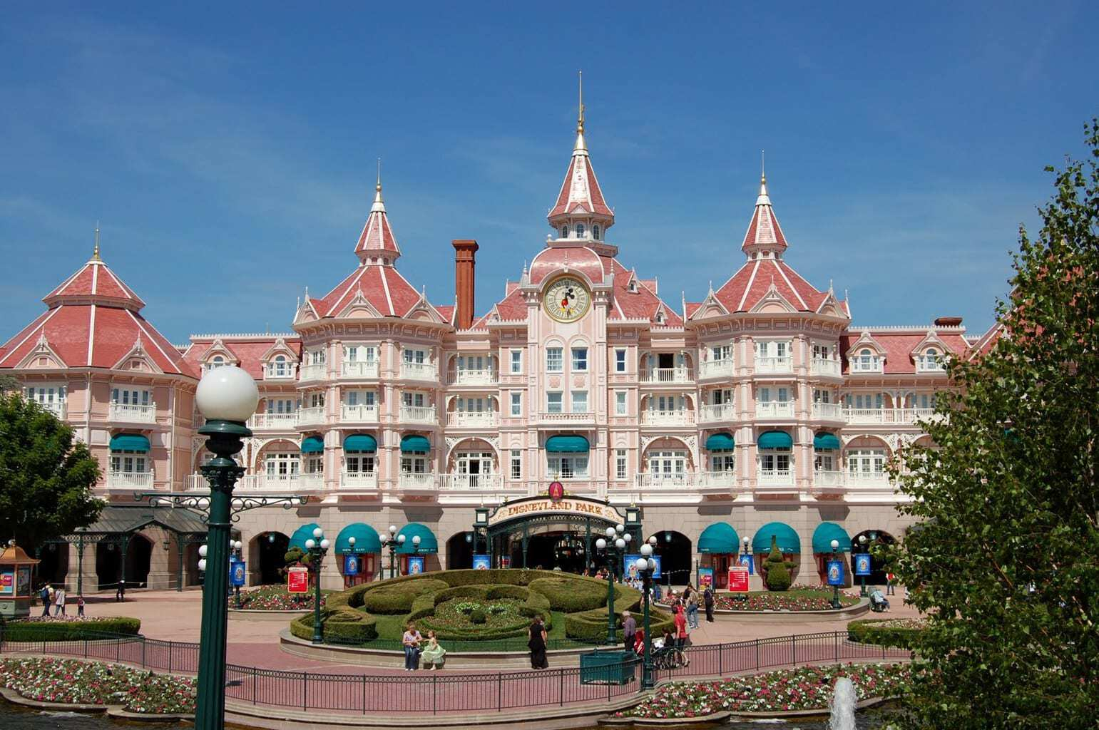 Tips for disneyland paris accommodation mini for Hotels disney