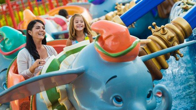 dumbo-the-flying-elephant-00