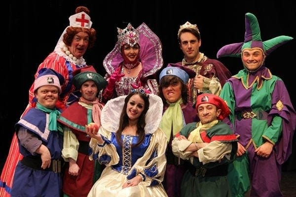 Review of Snow White and the Seven Dwarfs, Stockport Plaza