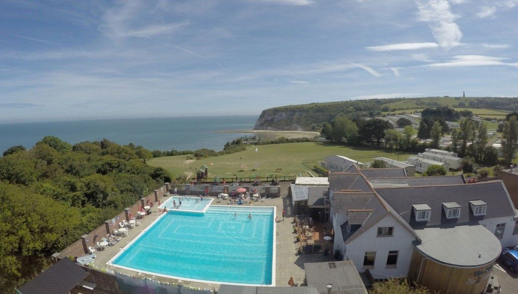 Pool-and-Cliff-Looking-out-1400x796
