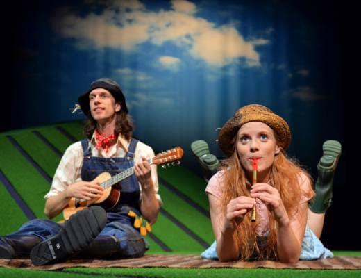 Edward-Day-Harry-OHay-and-Muireann-Bird-Betty-OBarley-in-The-Scarecrows-Wedding-Edinburgh-Festival-2015.-Photo-Steve-Ullathorne