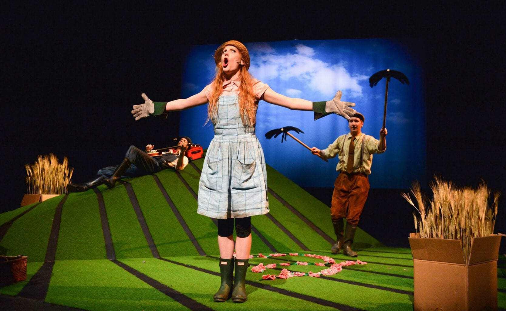 Muireann Bird (Betty O'Barley) in The Scarecrows' Wedding (Edinburgh Festival 2015). Photo Steve Ullathorne