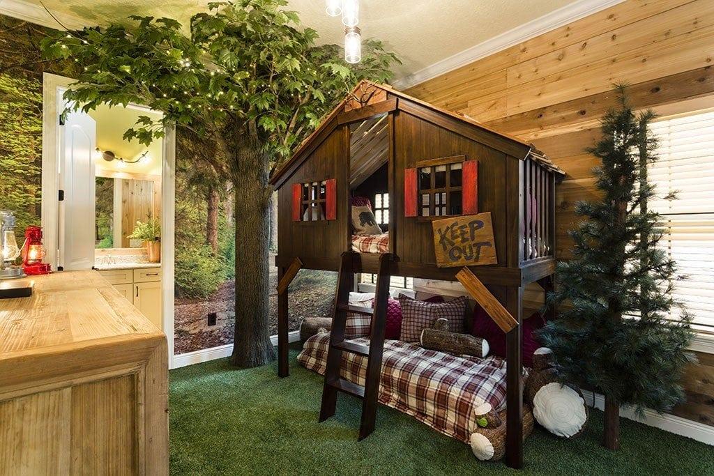 Reunion Resort 29's treehouse bedroom