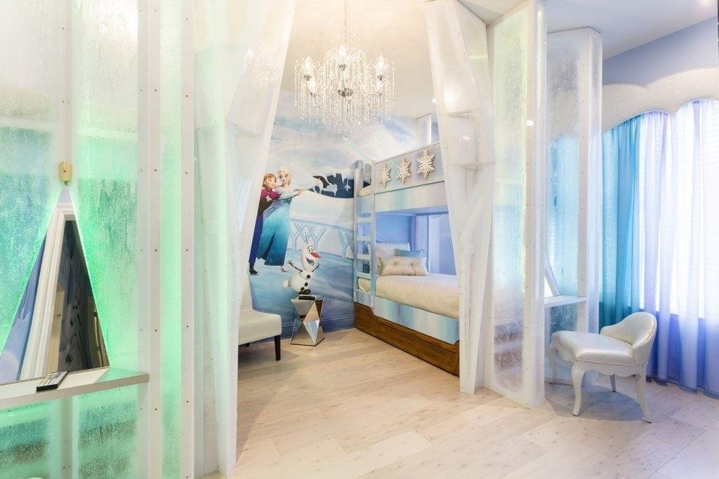 Reunion Resort 752's frozen bedroom