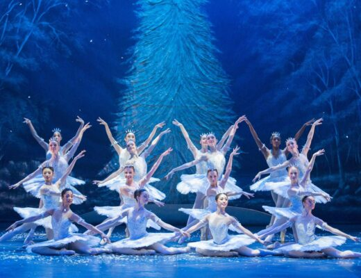 Snowflakes dance during English National Ballet's dress rehearsal of the Nutcracker at the Coliseum Theatre, London on December 10, 2014. Photo: Arnaud Stephenson