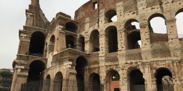 A Tapsy Tour of the Colosseum in Rome with Kids www.minitravellers.co.uk