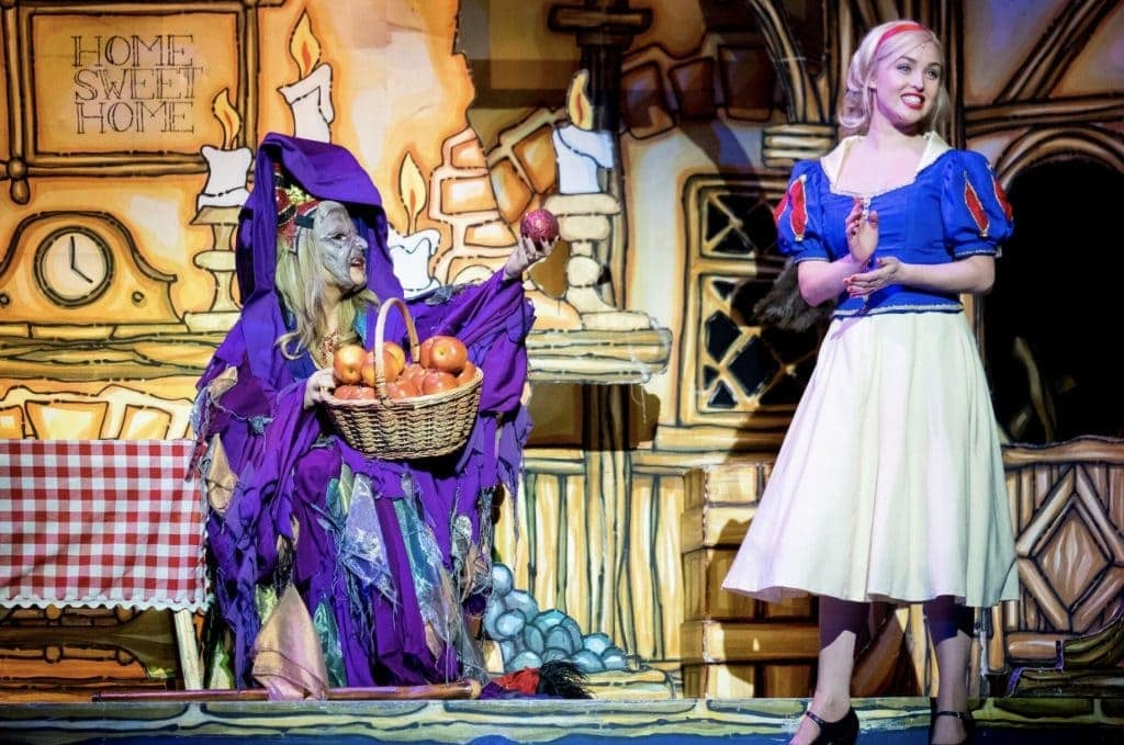 Snow White at the Liverpool Empire www.minitravellers.co.uk