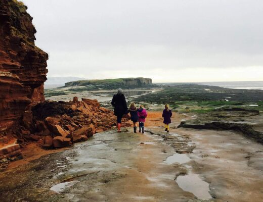 Walking out to Hilbre Island from West Kirby with Kids www.minitravellers.co.uk
