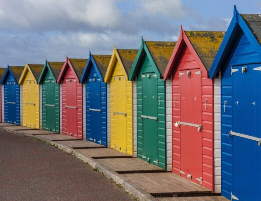 Devon Beach Huts www.minitravellers.co.uk