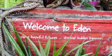Should you visit the Eden Project Cornwall with kids under 8? www.minitravellers.co.uk
