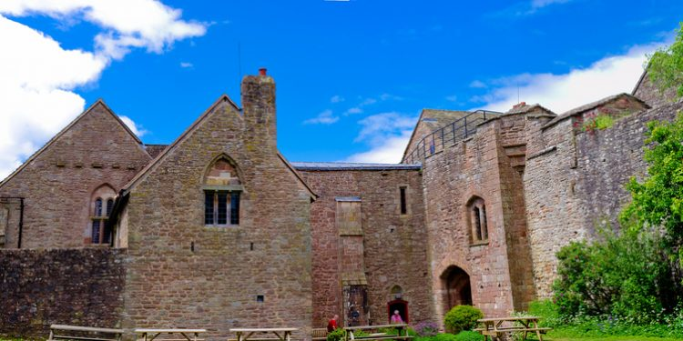 STAY IN A HAUNTED CASTLE, ST BRIAVELS, UK www.minitravellers.co.uk