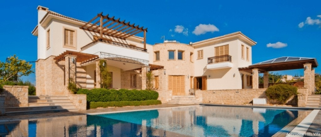 Hotels with Apartments and Villas www.minitravellers.co.uk