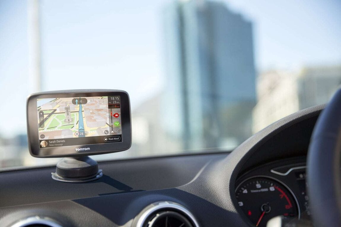 Review: TomTom GO 5200 Sat Nav - Mini Travellers - Family