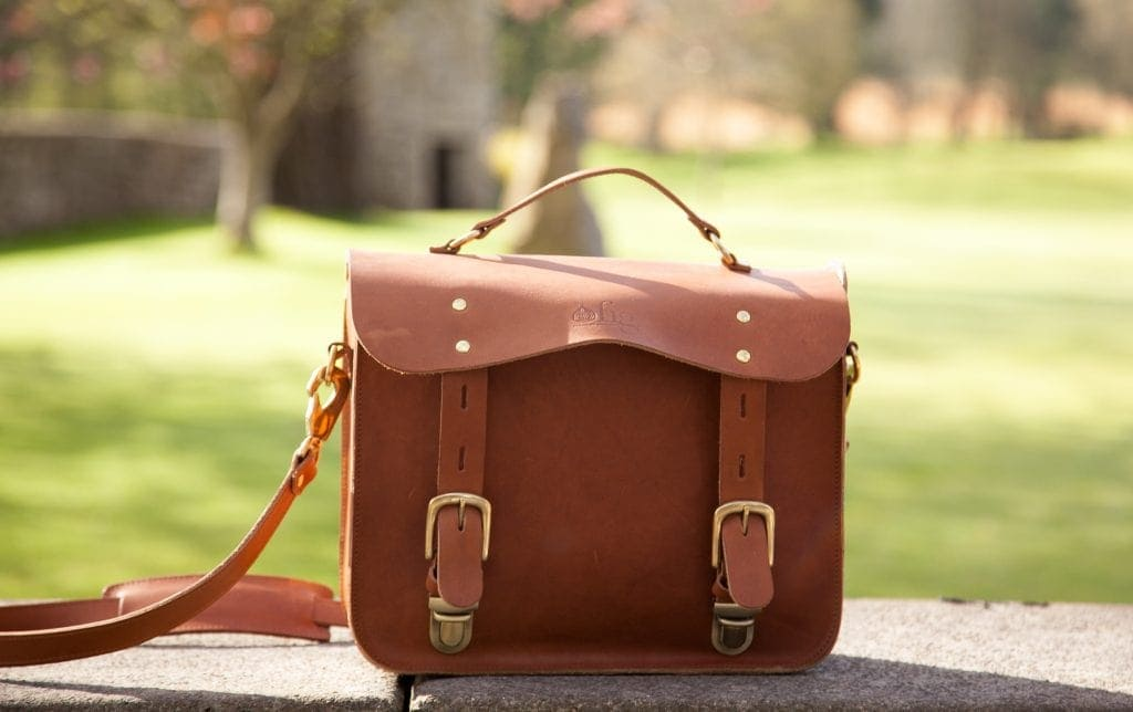 Review: Vintage Style Leather Camera Bag by Fig Bags www.minitravellers.co.uk