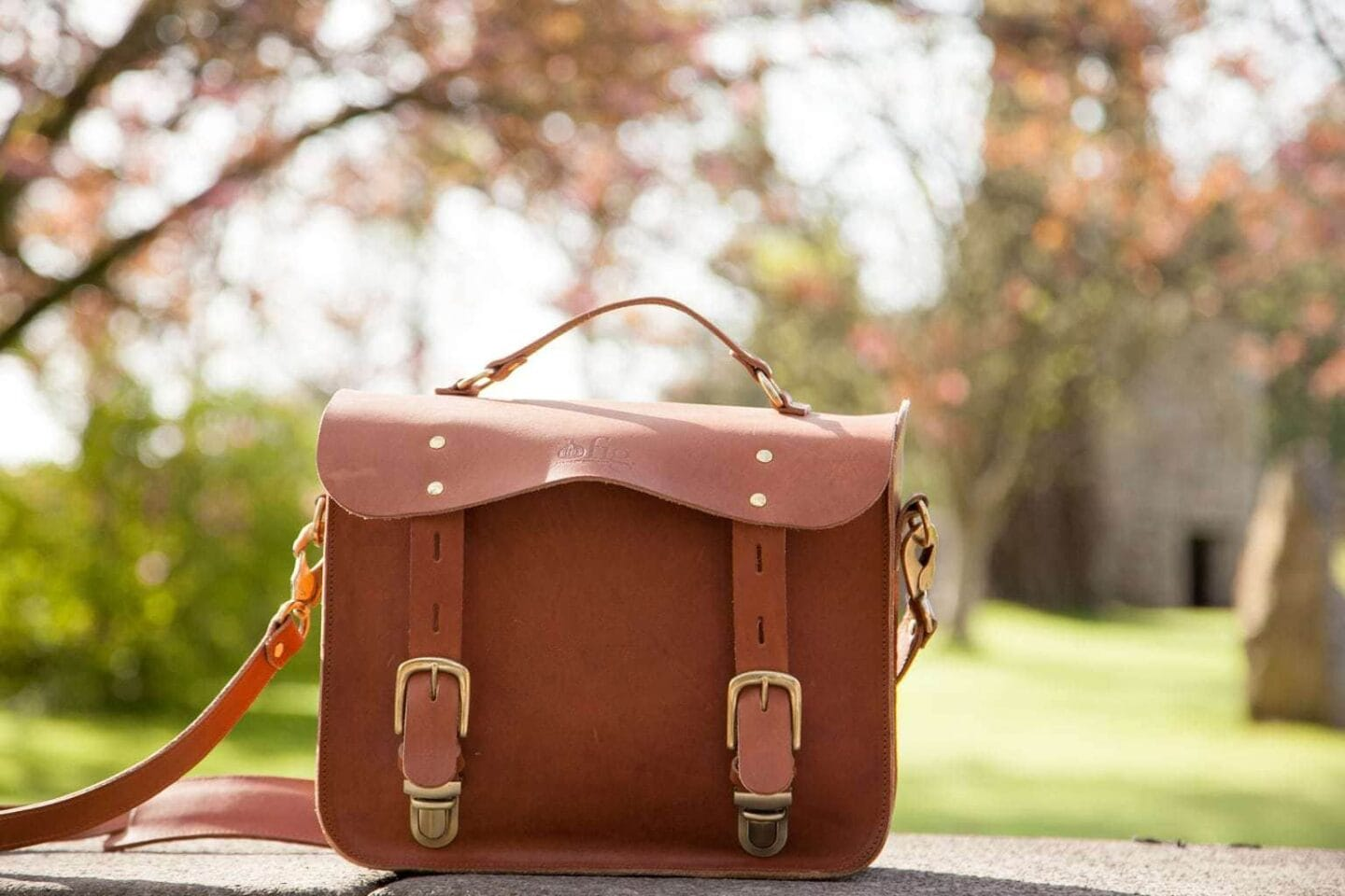 Review: Vintage Leather Camera Bag by Fig Bags