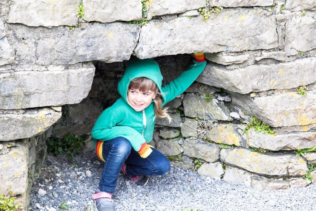 5 Reasons to Visit Oystermouth Castle with Kids www.minitravellers.co.uk
