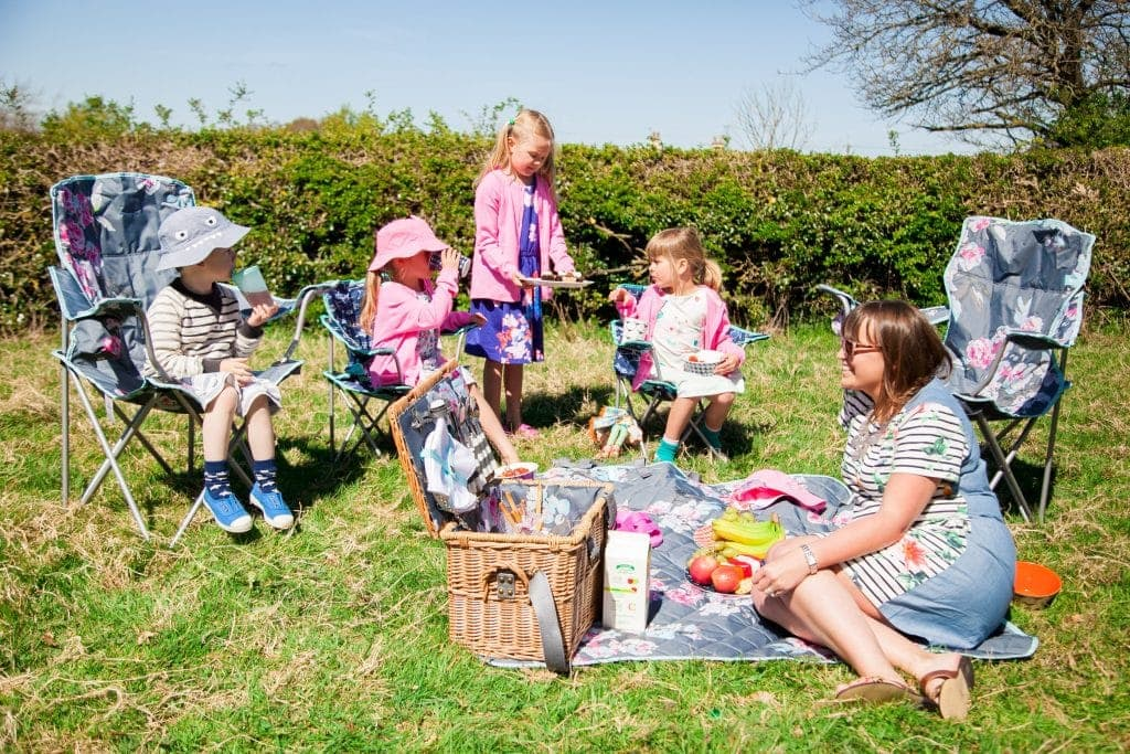 A Joules Picnic for a Sunny Afternoon www.minitravellers.co.uk