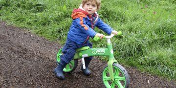 Review: Yvolution Y Velo Balance Bike www.minitravellers.co.uk