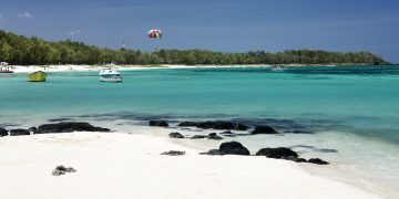 Where to stay in Mauritius with Children www.minitravellers.co.uk