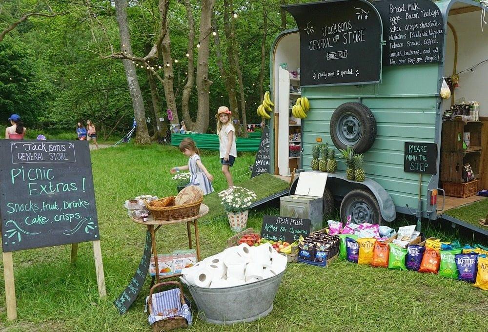 Elderflower fields family festival food www.minitravellers.co.uk