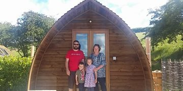 Glamping in Yorkshire | Humble Bee Farm www.minitravellers.co.uk