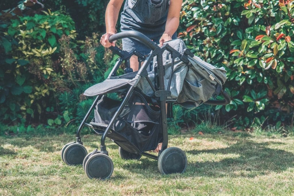 Silver Cross Avia Stroller| Review www.minitravellers.co.uk
