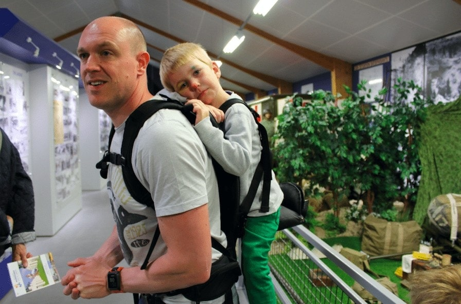 The Freeloader Child Carrier is suitable for up to 36kg, so you can carry children with ease when on holiday or days out