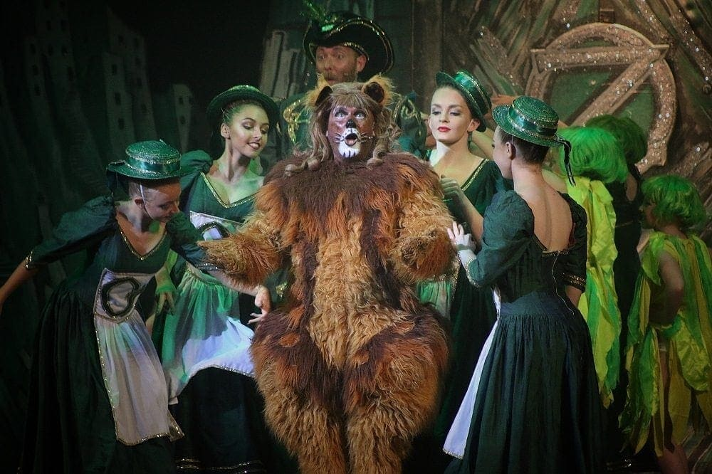 The Wizard of Oz | The Plaza Stockport www.minitravellers.co.uk