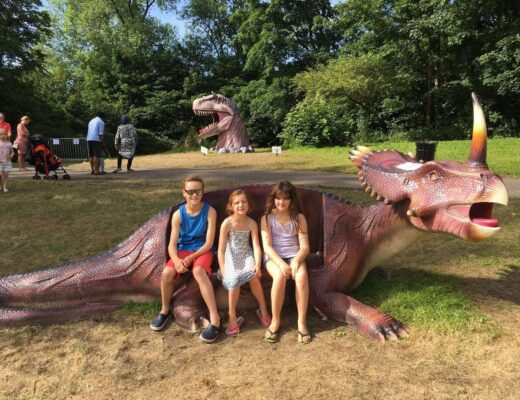 Jurassic Kingdom Tour | Family Day Out www.minitravellers.co.uk