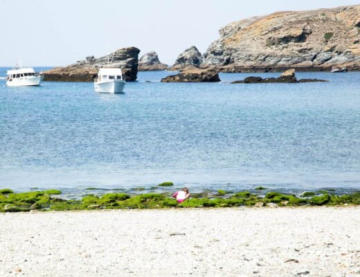 6 Stunning Beaches in Belle-Île off the coast of Brittany www.minitravellers.co.uk