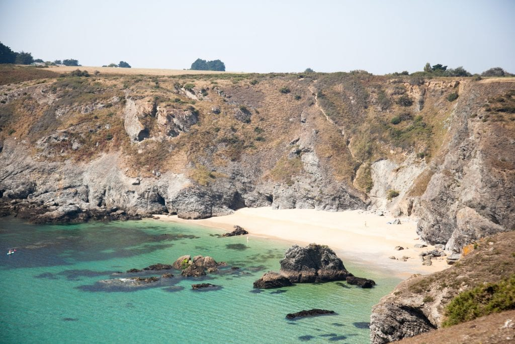 10 Stunning Beaches in Belle-Île off the coast of Brittany www.minitravellers.co.uk