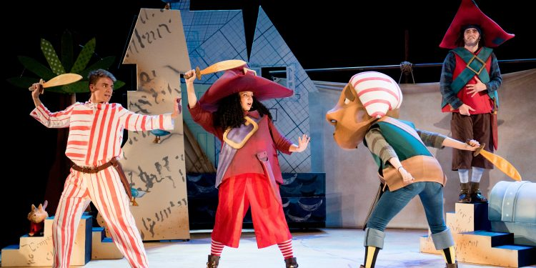 Review: The Night Pirates, Rose Theatre Kingston www.minitravellers.co.uk