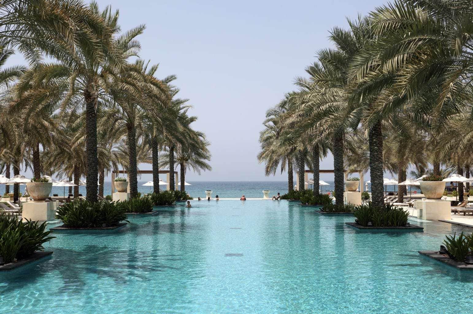 10 Travel Essentials for a Luxury Trip