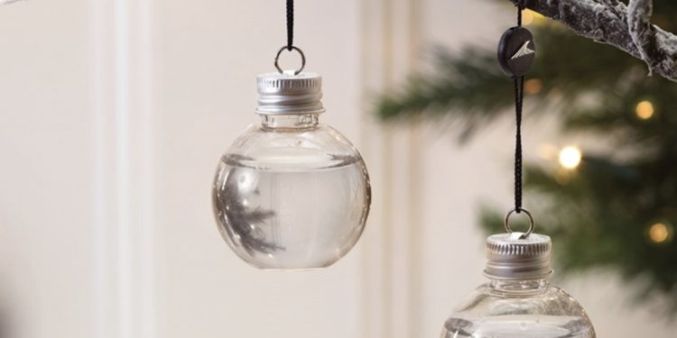12 Christmas Gift Ideas for Gin Loving Mothers (or Fathers!) www.minitravellers.co.uk