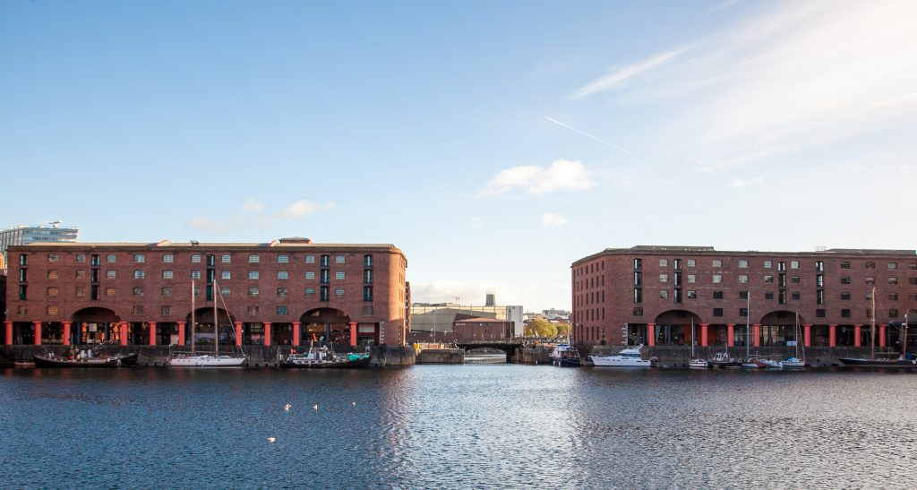 10 Things to do in Liverpool with Kids www.minitra