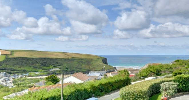 Why not book a Christmas break in Cornwall with Cornish Horizons?