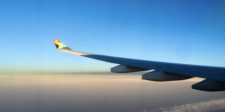 10 Long Haul Flight Essentials with Kids