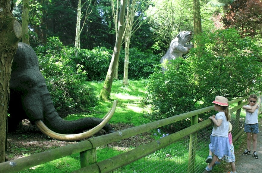 Howlett's Wild Animal Park near Canterbury | Animals of the Ice Age Exhibition