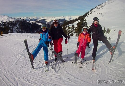 Family Skiing | Booking a Private Ski Instructor for all the Family