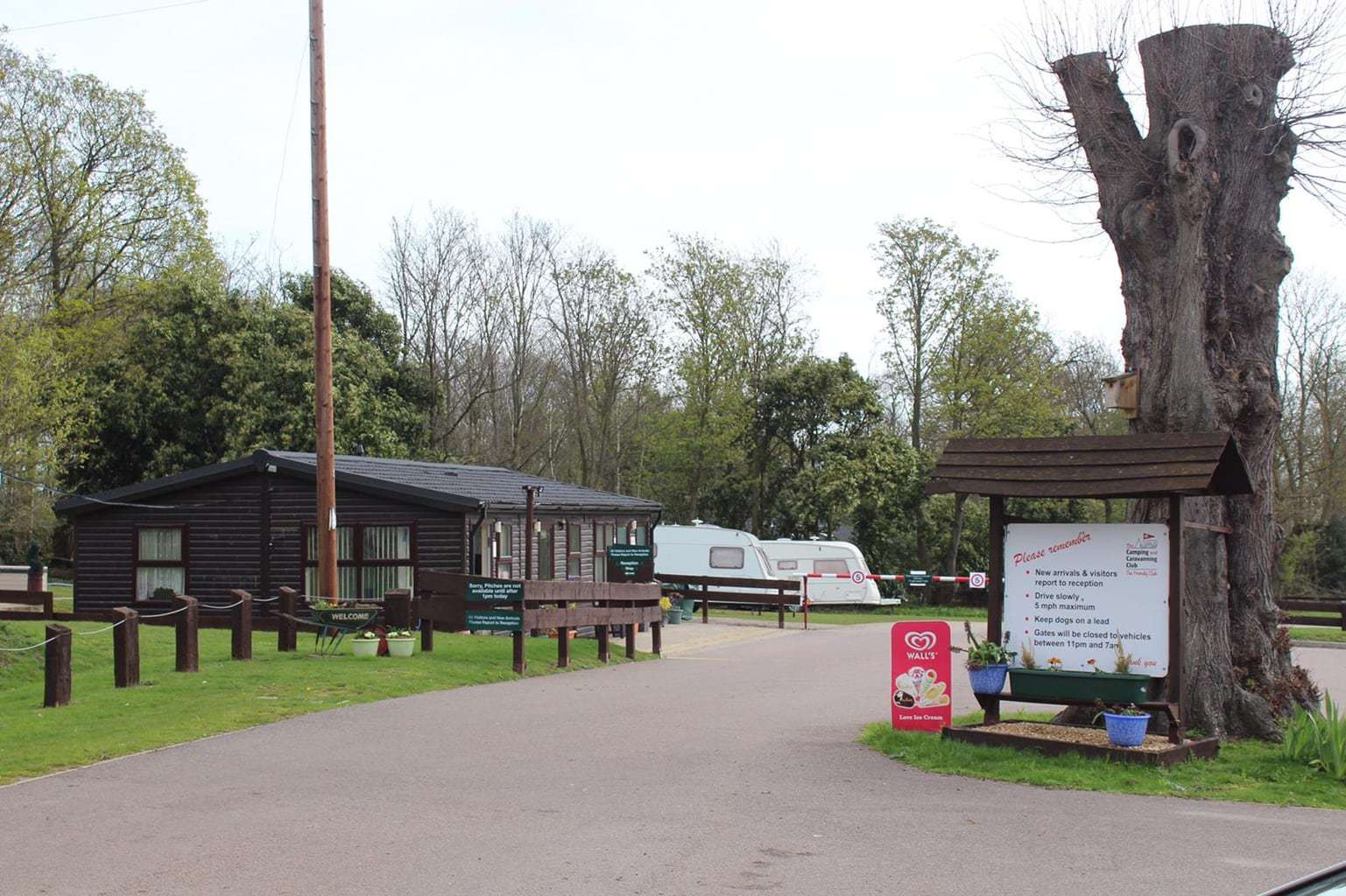 Theobalds Park Camping and Caravanning Club Site, Hertfordshire