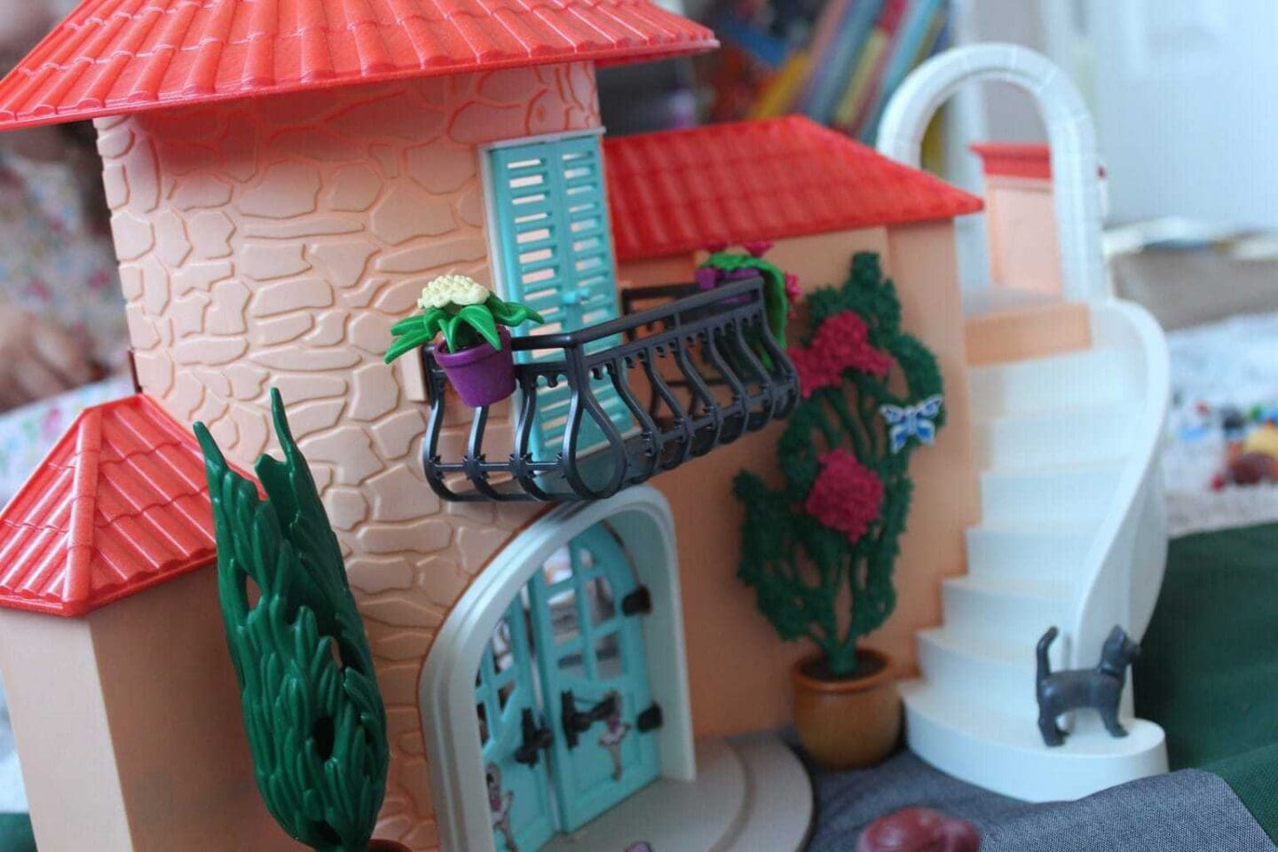 Playmobil Summer Villa and travel sized Carry Cases