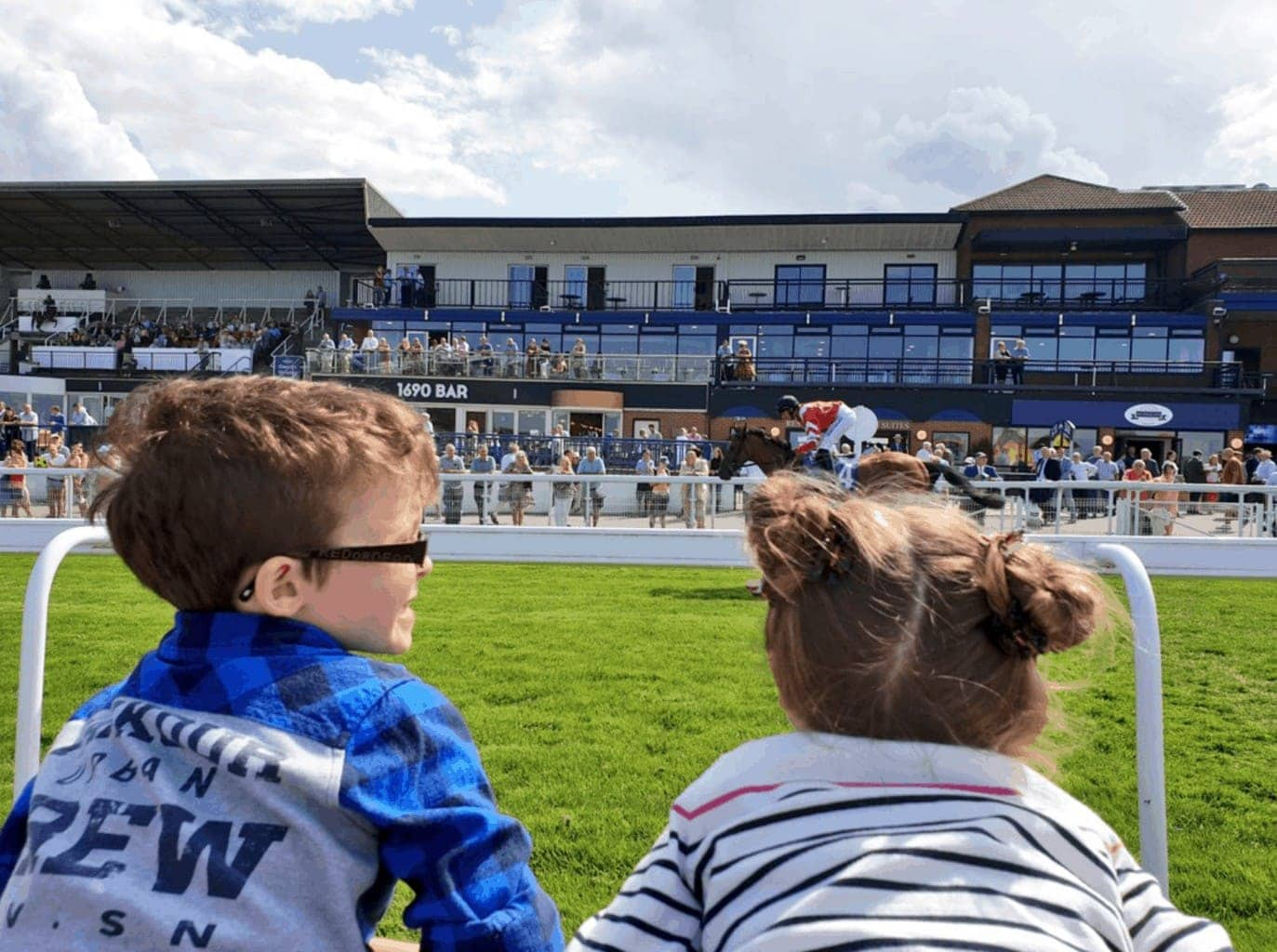 Beverley Family Race Day | Great British Racing's 'Under 18s Race Free'