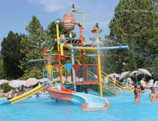 Review   Bella Italia with Canvas Holidays on Lake Garda, Italy