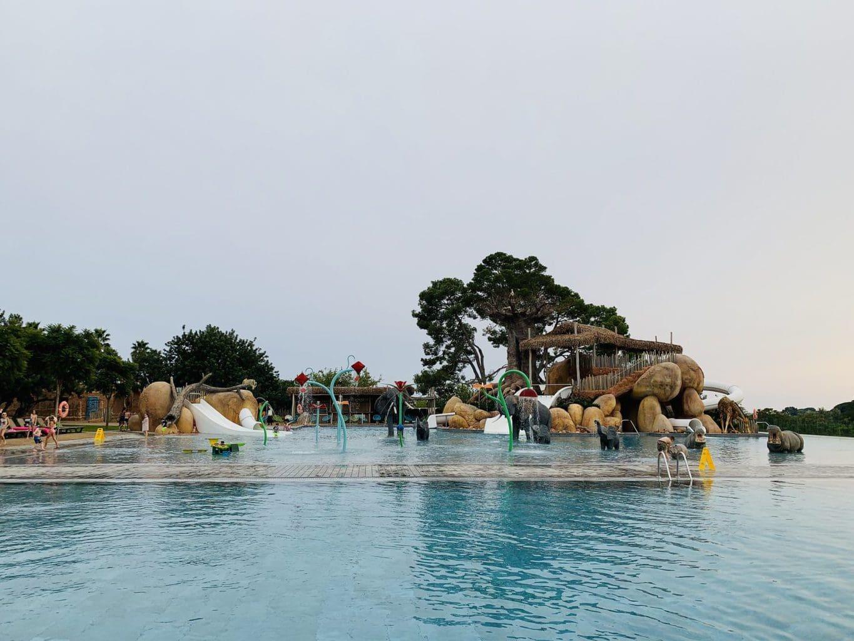 Pool at Sangulí Salou