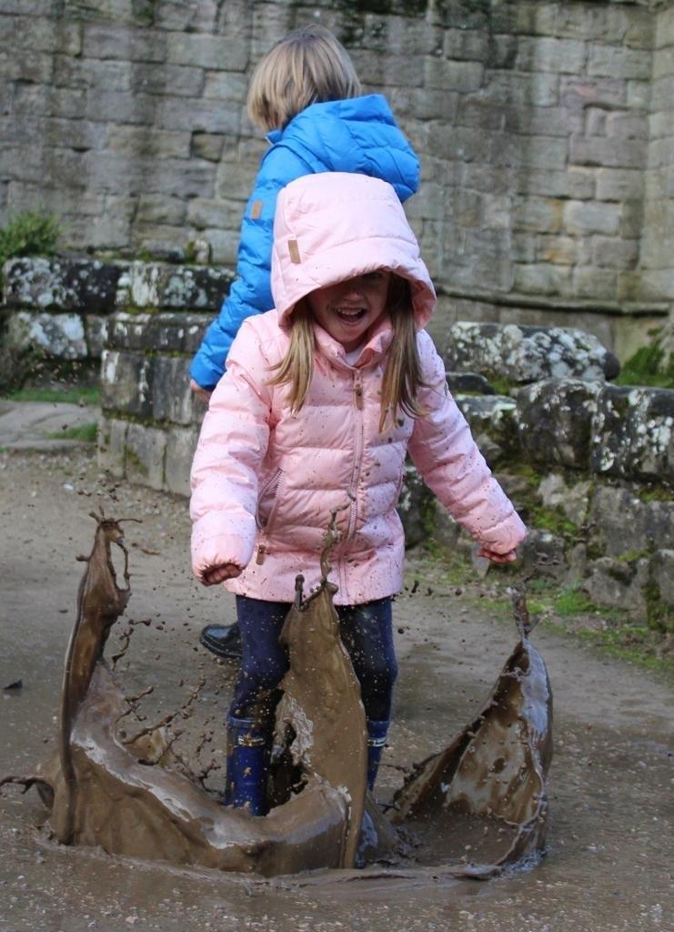 https://www.reima.com/int/Autumn/Kids%27-2-in-1-down-jacket-Minna/p/531346-3010
