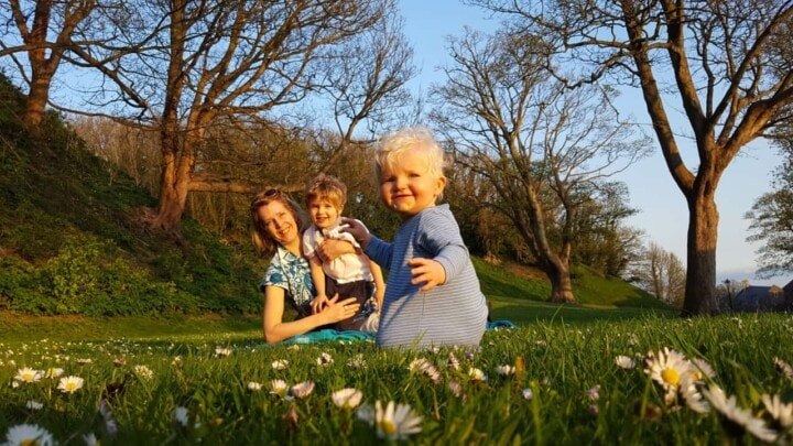 Q&A with Polly Dunbar Author of Hello, Mum
