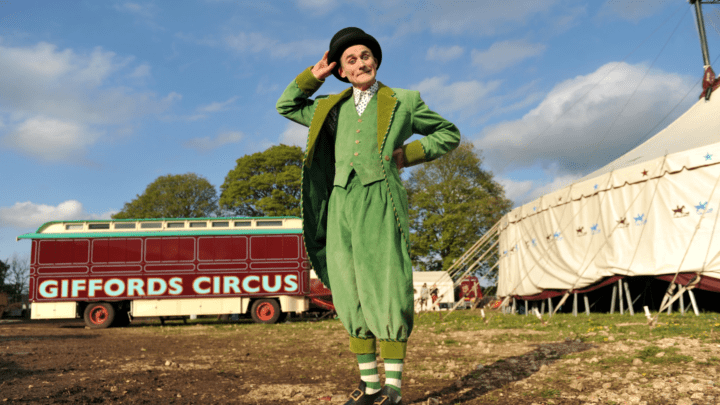 Review | Giffords Circus - 2021 Tour - The Hooley